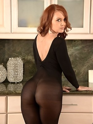 Big Ass Yoga Pants Porn Pictures
